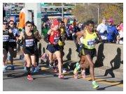New York City Marathon 2010 - Gebresilassie guida il gruppo di testa sul ponte di Verrazzano