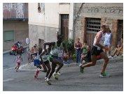 25 agosto 2011 - Marco Calderone conduce il gruppo di testa all'11° Giro Podistico Internazionale di Castellumberto (ME)